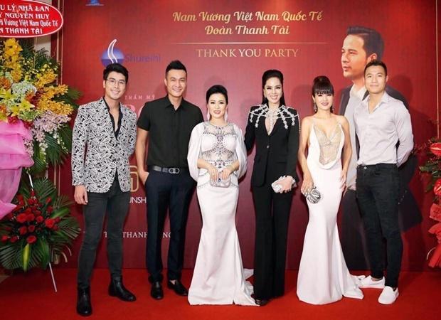 Dan sao Viet chuc mung Doan Thanh Tai len ngoi Nam vuong hinh anh 4