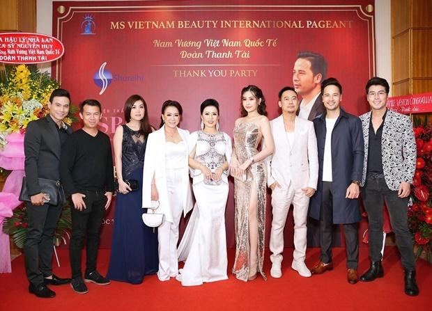 Dan sao Viet chuc mung Doan Thanh Tai len ngoi Nam vuong hinh anh 7