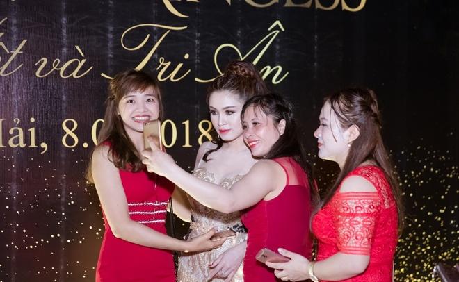 Princess White chao nam moi cung Tuan Hung va Ngo Kien Huy hinh anh 8