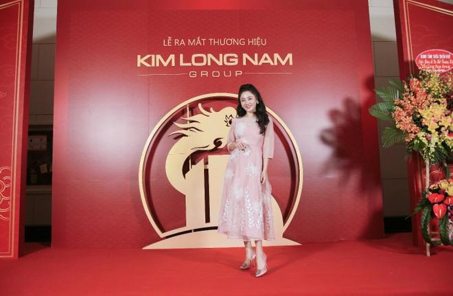 Dan sao Viet hoi ngo tren san khau ra mat thuong hieu Kim Long Nam hinh anh 1