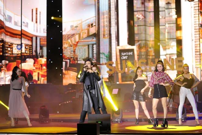 Le Quyen, Tuan Hung hoi ngo trong dem nhac 'Sunshine Concert 2018' hinh anh 10