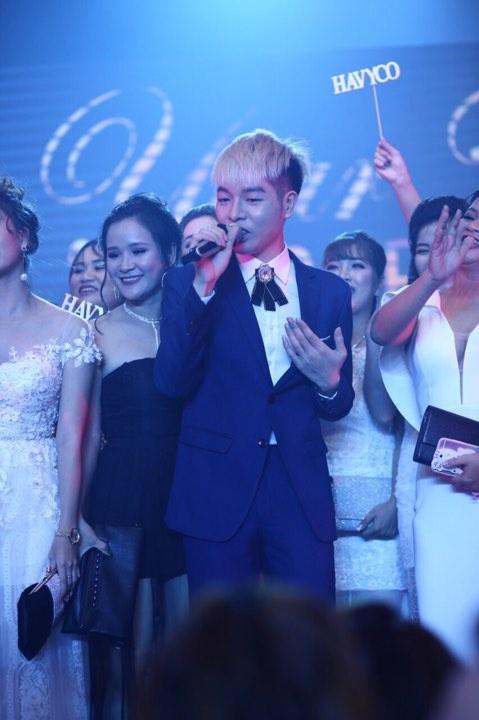 Duc Phuc, Huong Giang Idol hoi ngo trong dem tiec cuoi nam cua Havyco hinh anh 1