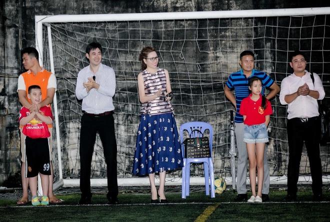 Cong ty Long Hoang to chuc tiec tat nien, tang U23 Viet Nam 300 trieu hinh anh 4