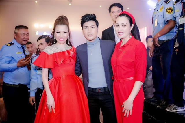 Mr. Dam va Noo Phuoc Thinh du tiec tat nien cua cong ty Long Hoang hinh anh 5
