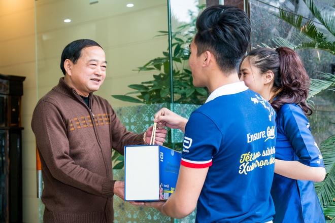 MC Diep Chi chia se cach mang Tet tron yeu thuong cho bo me hinh anh 3