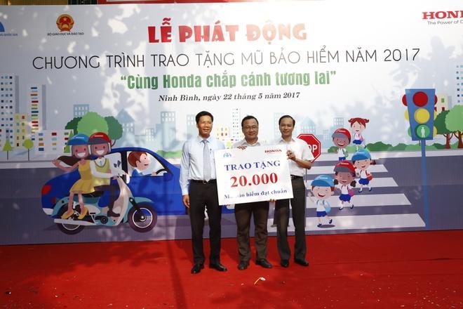 5 hoat dong 'Lai xe an toan' cua Honda Viet Nam nam 2017 hinh anh 4