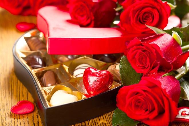 Don nam moi, Valentine ben ban tiec sang trong tai Pan Pacific Ha Noi hinh anh 1