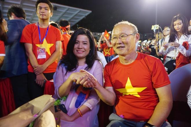 U23 Viet Nam va nhung khoanh khac dang nho voi nguoi ham mo TP.HCM hinh anh 12