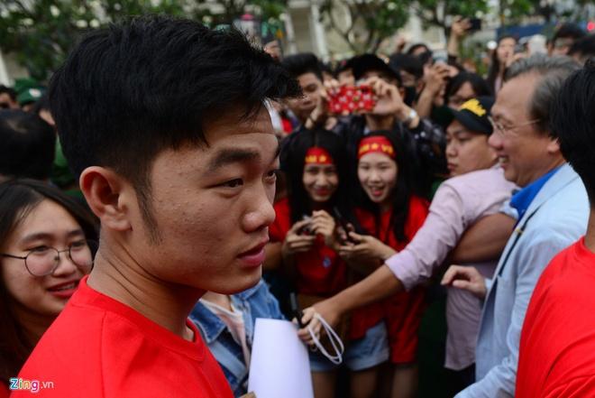 U23 Viet Nam va nhung khoanh khac dang nho voi nguoi ham mo TP.HCM hinh anh 4