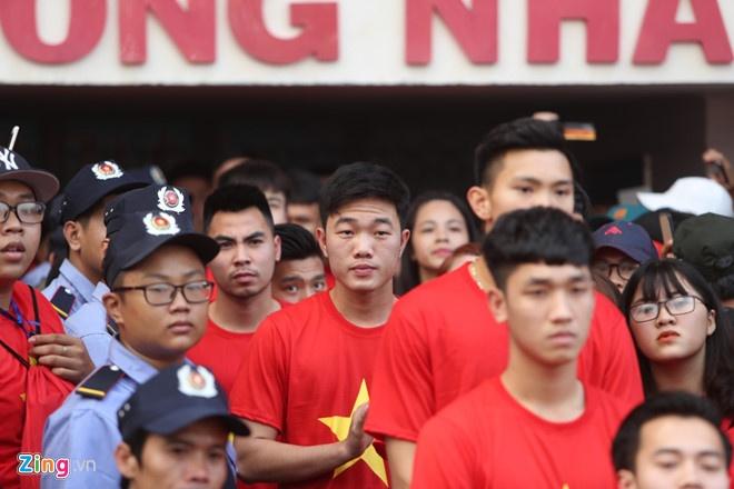 U23 Viet Nam va nhung khoanh khac dang nho voi nguoi ham mo TP.HCM hinh anh 6