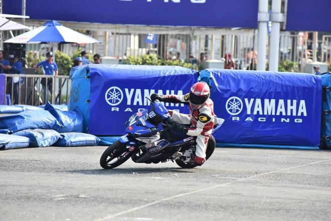 Monster Energy tai tro nuoc uong cho giai dau Yamaha GP hinh anh 1