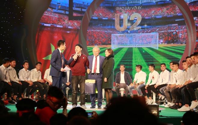 Tan Hoang Minh dong hanh tai tro chuong trinh giao luu U23 Viet Nam hinh anh 5