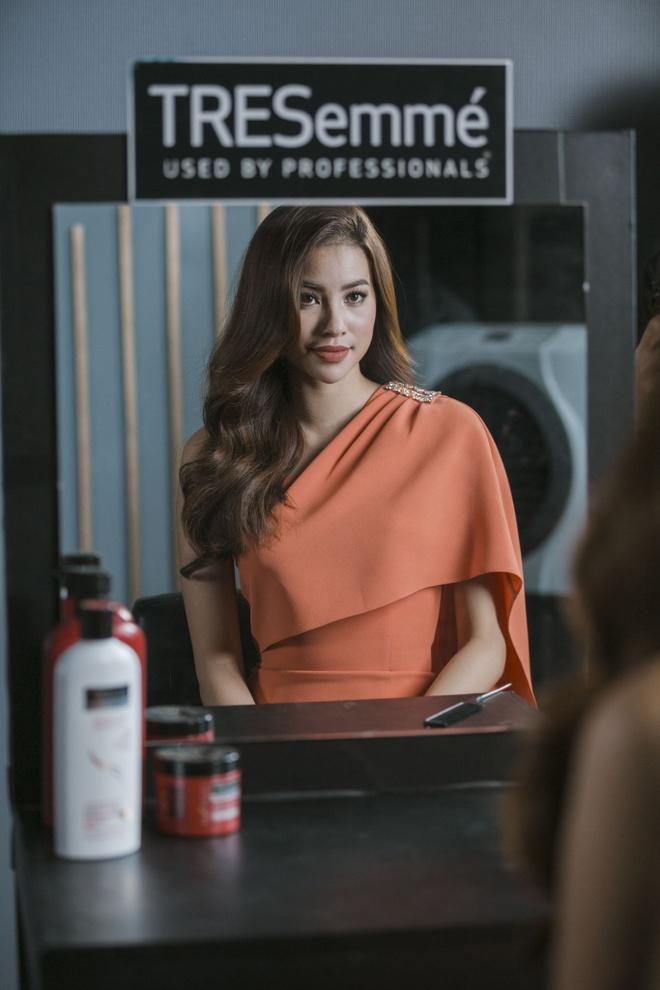 Pham Huong: 'Nho detox, toi thay minh yeu doi va xinh dep hon' hinh anh 4