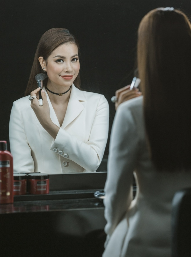 Pham Huong: 'Nho detox, toi thay minh yeu doi va xinh dep hon' hinh anh 5