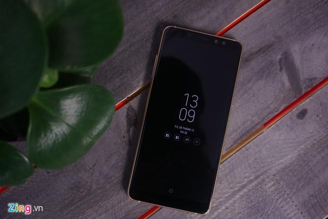 Galaxy A8+ anh 1