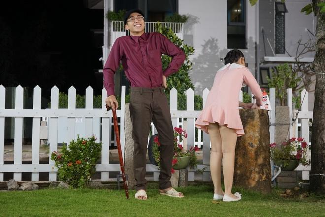 Soobin khoe 'net dep lao dong' trong bo anh hau truong MV Tet hinh anh 4