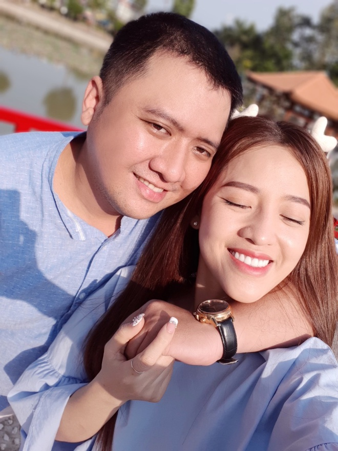 Nhung kieu selfie doc dao cho doi tre mua tinh yeu hinh anh 6