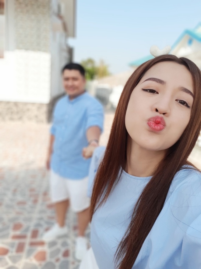 Nhung kieu selfie doc dao cho doi tre mua tinh yeu hinh anh 2