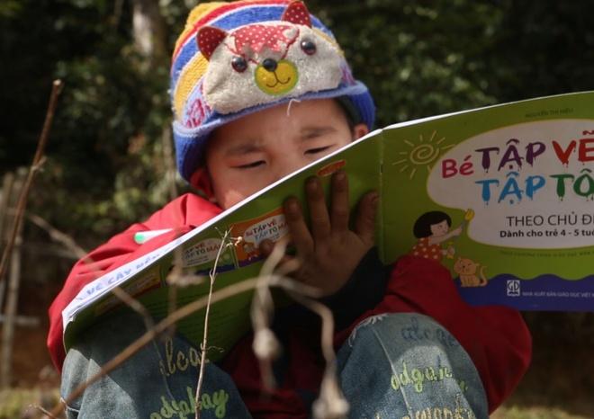 Tiep lua giac mo den truong cua tre em Ban Phung, Ha Giang hinh anh