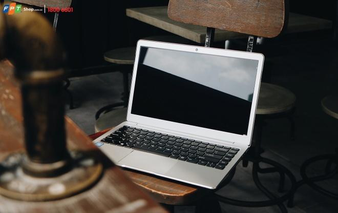 FPT Shop cam ket hoan tien neu gia laptop ban ra cao hon thi truong hinh anh
