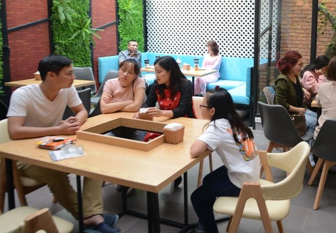 Pozaa Tea khai truong cua hang thu 12 tai DH Ha Noi hinh anh