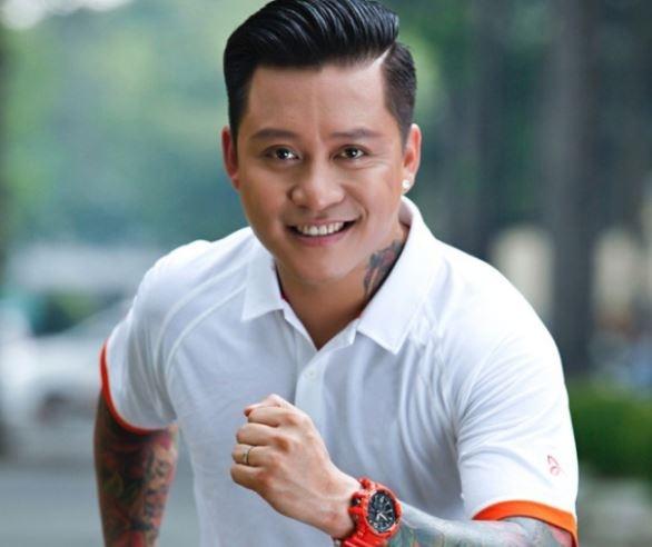 Tuan Hung trinh dien hit, tham gia thu thach tai offline G-Collector hinh anh
