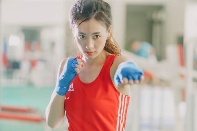 Hot girl boxing dat HCV SEA Games: Manh me tren san, diu dang tren pho hinh anh