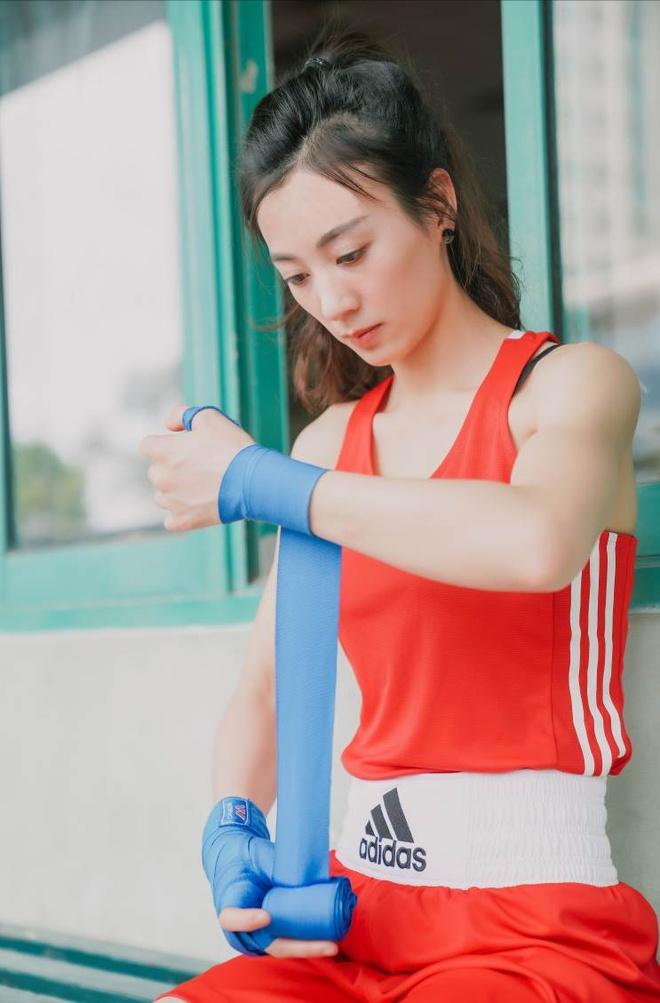 Hot girl boxing dat HCV SEA Games: Manh me tren san, diu dang tren pho hinh anh 3