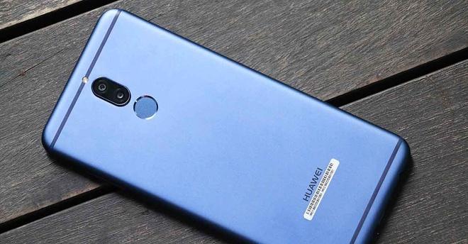 Vi sao Face Unlock can cho smartphone co cam bien van tay o mat lung? hinh anh