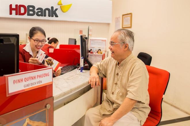 HDBank tang khach 20.000 phan qua voi tong gia tri 9,7 ty dong hinh anh 2