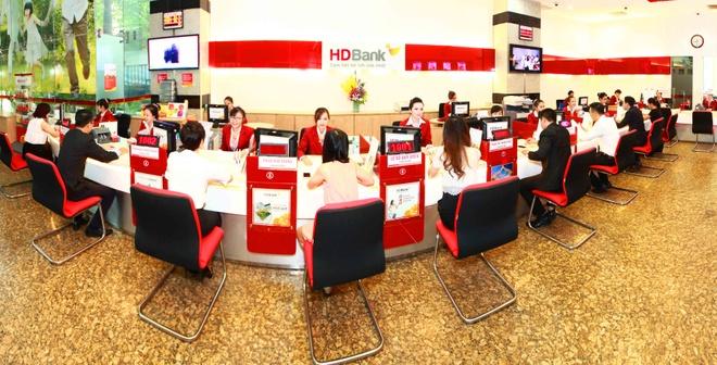 HDBank tang khach 20.000 phan qua voi tong gia tri 9,7 ty dong hinh anh 1