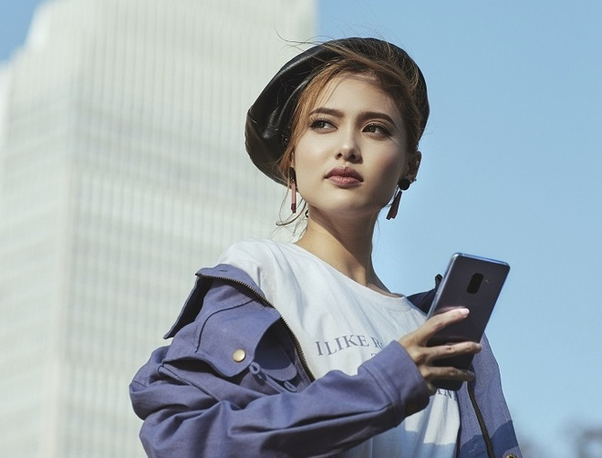 7 meo selfie khoe than thai cua Fung La hinh anh