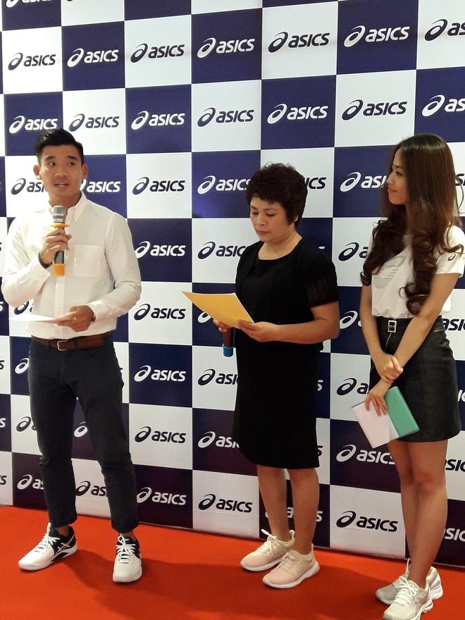 Nha van Trang Ha tham du le khai truong asics Saigon Centre hinh anh 7