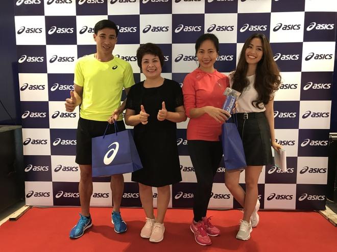 Nha van Trang Ha tham du le khai truong asics Saigon Centre hinh anh 6