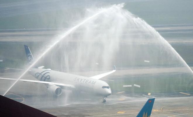 Vietnam Airlines don may bay A350 mang dau an SkyTeam hinh anh 1