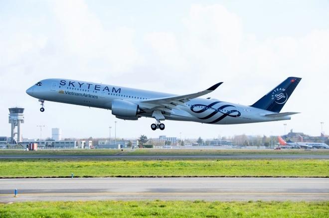 Airbus A350 son bieu tuong SkyTeam dau tien ve den san bay Noi Bai hinh anh