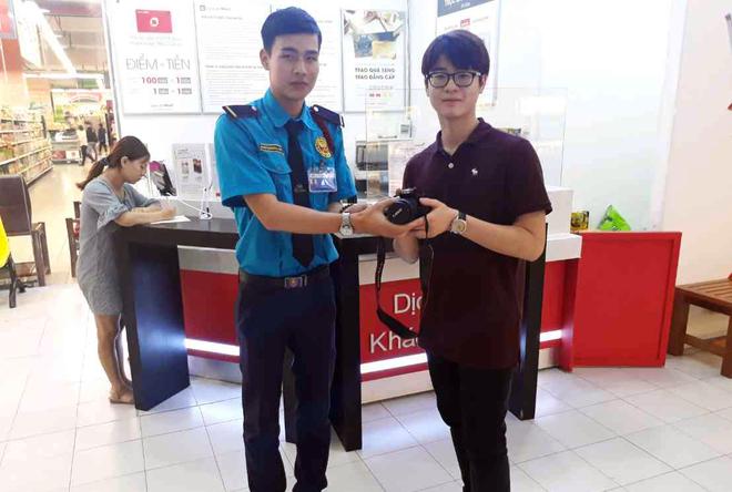 Nhan vien Lotte Mart tra hon 70 trieu dong that lac cho khach hinh anh 2