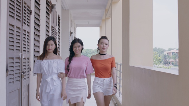 Hoang Yen Chibi hoa than thanh quan nhan, theo duoi crush trong MV moi hinh anh 7