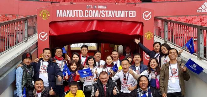 Nguoi ham mo Viet gap danh thu Manchester United tai SVD Old Trafford hinh anh 2