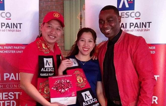 Nguoi ham mo Viet gap danh thu Manchester United tai SVD Old Trafford hinh anh