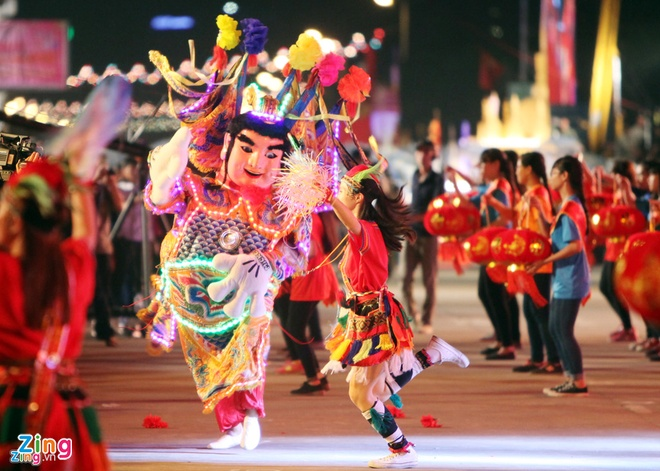 Carnaval Ha Long nam thu 10 quy tu 1.100 nghe si trong va ngoai nuoc hinh anh