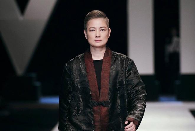Thuy Vinh tro lai showbiz bang man catwalk an tuong hinh anh