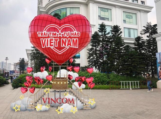 Vincom mo hoi 'Trai tim Viet Nam - Tu hao Viet Nam' mung dai le hinh anh 2