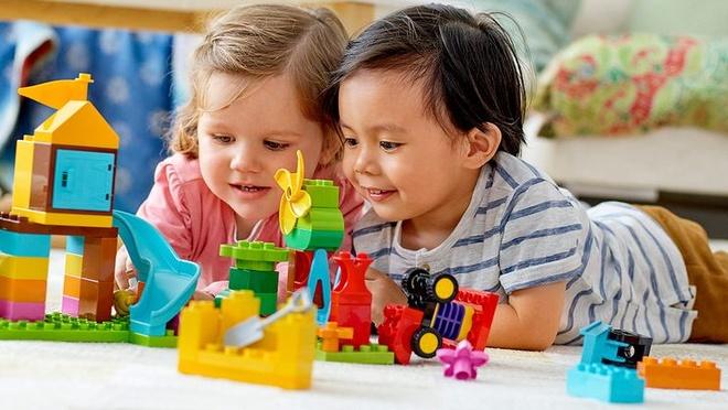 Vi sao cac gia dinh Viet yeu thich Lego? hinh anh