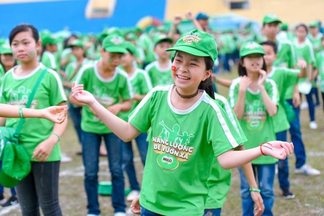 Hon 20.000 nguoi tham gia ngay hoi di bo tai Son Tay hinh anh