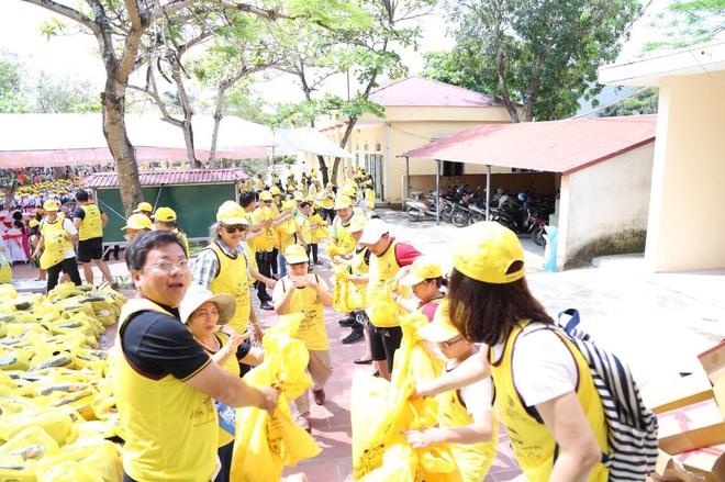 Caravan thien nguyen lan thu 13 cua CLB doanh nhan Hai Muoi Ba Muoi hinh anh 4