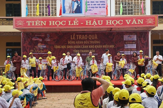 Caravan thien nguyen lan thu 13 cua CLB doanh nhan Hai Muoi Ba Muoi hinh anh 2