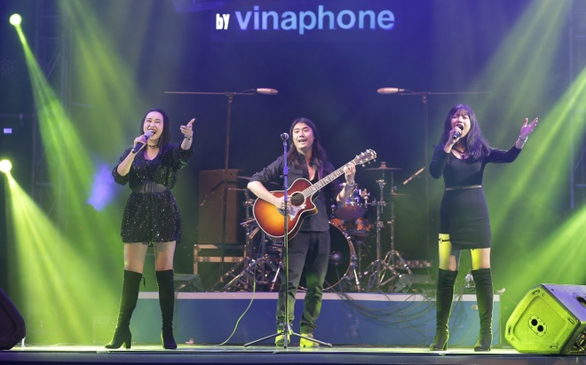 3 nhan to mien Trung tranh giai quan quan 'The Band by VinaPhone' hinh anh