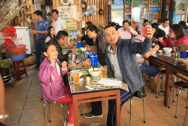 Kham pha am thuc Da Nang voi 4 cap bo con sieu quay hinh anh 8