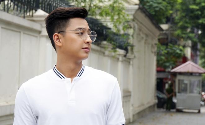 Hot boy cau long Pham Hong Nam: 'VDV chay show la chuyen binh thuong' hinh anh 1